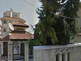 Две обзаведени къщи с общ двор в кв. Сарафово