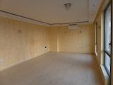 Луксозен тристаен апартамент в топ центъра на град Бургас