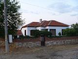 Уютна селска къща с двор и лесен достъп до магистрала Тракия