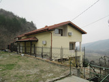 Restored villa with garden and barbecue 12 km from Plovdiv