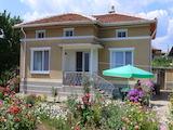 Атрактивна къща за продажба между Стара Загора и Пловдив
