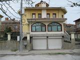 Kъща с двор близо до центъра на Асеновград