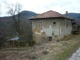 Двуетажна селска къща на 20 км от Велико Търново
