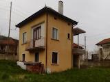 Mасивна и отлично поддържана къща в Тететвенския Балкан