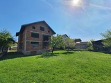 3-storey house with basement floor and yard 17 km from Borovets