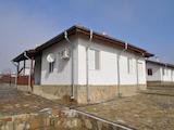 Едноетажна къща с двор на 10 км от Бургас