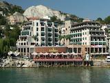 Стилен двустаен апартамент в Марина Сити