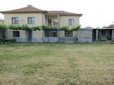 Реставрирана двуетажна къща с двор на 5 км от Пловдив