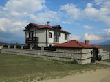Двуетажна къща с красив двор и барбекю в Рила планина