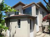 Къща с голям двор на 20 км от Бургас