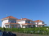 Нова двуетажна къща с двор и красива морска гледка