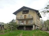 Spacious villa with garden 3 km from Vratsa