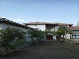 Двуетажна къща с гараж на 38 км от Велико Търново
