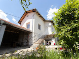 Реновирана вила с лятна кухня и двор край Самоков