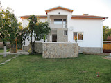 Renovated house with beautiful garden and panoramic mountain view