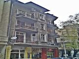 Триетажна къща в топ центъра на София