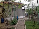 Едноетажна ремонтирана къща с двор в село Рудник