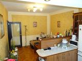 Тристаен апартамент с перфектна локация в Гръцка махала