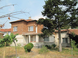 Nice 2-storey house with yard and garage, 15 km from Pazardzhik