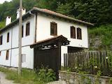 Реновирана Възрожденска къща в квартал на град Габрово