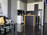 Луксозно обзаведено и оборудвано тристайно жилище в кв. Лазур