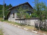 Планински имот до Павел Баня