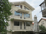 Comfortable 3-storey house with yard in Samokov