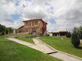 Луксозна еднофамилна къща с двор на 10 км от Бургас