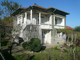 Двуетажна къща с двор близо до Видин