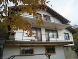 Къща на три етажа в село Рударци