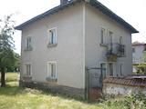 Двуетажна къща в село Ботуня на 20 км от гр.Враца