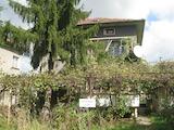 Двуетажна къща в гр. Елин Пелин