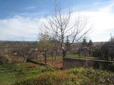 Къща с двор в село Елешница