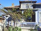 Двуетажна къща с двор на 45 км от Велико Търново