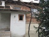 Detached house in Plovdiv with yard, garage and café