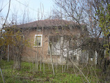 Селска къща за ремонт, близо до река и на 51 км от гр. Плевен