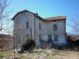 Голяма къща близо до гр. Враца