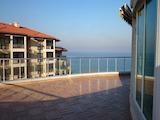 Двустаен апартамент на първа линия море