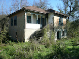 Къща с двор на 23 км от гр. Видин