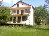 Къща с 4 стаи и таванско помещение на 13 км от Варна