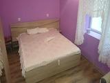 Обзаведен апартамент с една спалня, до парк и училище