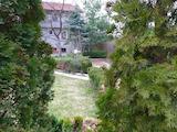 Поддържана къща с двор, барбекю и красива гледка към Витоша