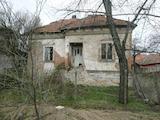 Селска къща с голям двор на 24 км от Видин
