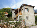 Partially renovated house with yard 3 km from Vratsa