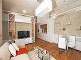 """Двустаен апартамент в забележителната сграда """"Red Apple"""""""