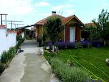 Обзаведена къща на 6 км от морето