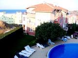 Едностаен апартамент с изглед към басейна