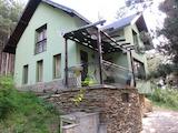 Нова двуетажна вила в борова гора на 9 км от Пловдив
