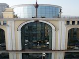 "Просторен офис с няколко помещения, до метростанция ""Сердика"""