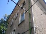 Масивна двуетажна къща в центъра на град Севлиево
